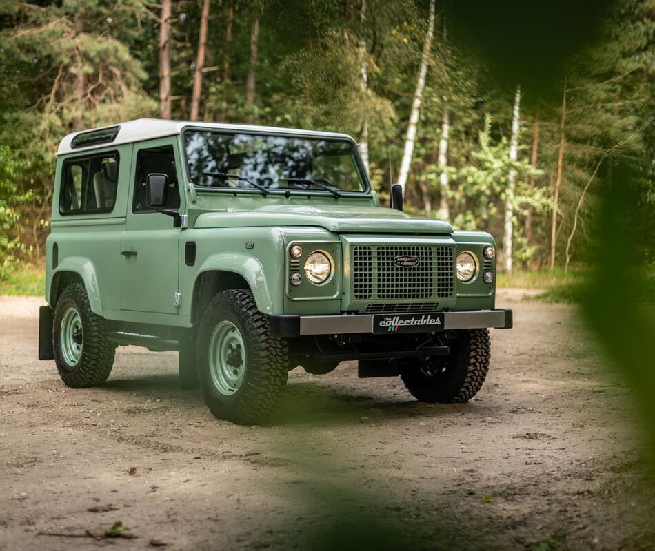 Land Rover Defender Heritage Edition